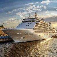 Круизный лайнер  «Silver Whisper» :: Valeriy Piterskiy