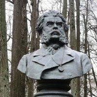 Памятник Павлу Петровичу Вяземскому :: Дмитрий Никитин