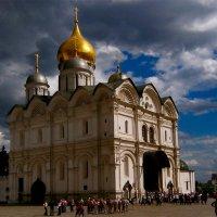Спасение в Храме :: Vera Ostroumova