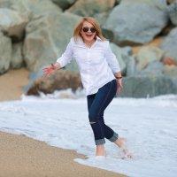 Резвимся на пляже с подругой :: Olga Kudryashova