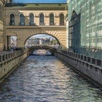 «Тени обновления»  Зимней канавки :: Valeriy Piterskiy