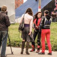 Интервью мешала юбка.... :: Андрей Головкин
