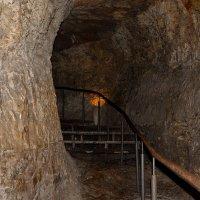 Иерусалим - вход в подземные туннели :: Владимир Брагилевский