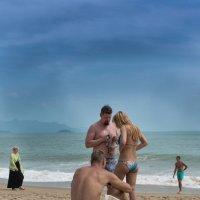 На пляже Нячанга :: Виктор Куприянов
