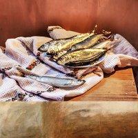 Натюрморт с рыбой :: Женечка Зяленая