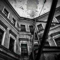 Дом с Атлантами (Доходный дом купцов Расторгуевых в Москве) :: Евгений Жиляев