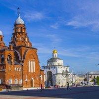 Троицкая церковь и Золотые ворота :: Надежда Чернышева