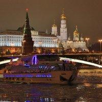 Ночной Кремль :: Евгений (bugay) Суетинов