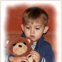 С любимым мишкой. :: Anatol Livtsov