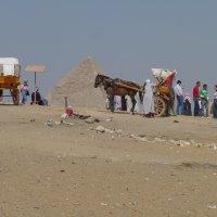 Пирамиды. Вид сбоку.... :: Игорь Пилатович