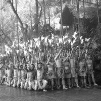 Огненный танец в исполнении представителей племени Ли. :: Cергей Павлович