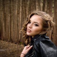 Осенняя фотосессия в красивом лесу :: Наталья