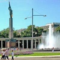 Памятник советским воинам в Вене :: Олег Попков