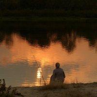 вечерняя рыбачка :: Александр Прокудин