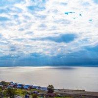 Сонечный дождь над Байкалом :: Вячеслав Кровопусков