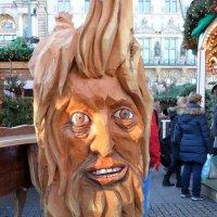 Рождественский базар в Гамбурге (серия). Деревянная голова :: Nina Yudicheva