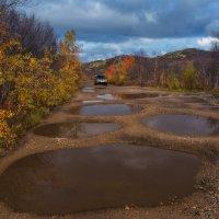 Объезжая кратеры-острова :: Владимир Колесников