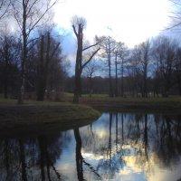 Осенний пейзаж на земле и воде :: Svetlana Lyaxovich