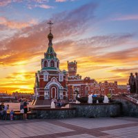 Памятник Петру и Февронии Муромским. :: Андрей Гриничев