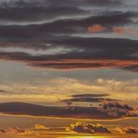 Зимний закат на Байкале не менее прекрасен чем летний. :: Павел Федоров