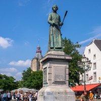 Памятник Йоханнес Минкелепс :: Witalij Loewin