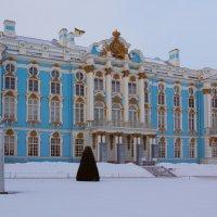 У дворца :: Aнна Зарубина