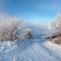 Берег парящей реки :: Анатолий Иргл