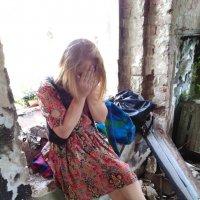 Прогулка по заброшенному замку :: Викуся Самойлова