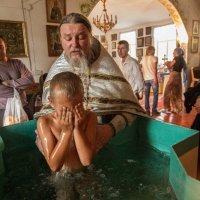 Крещение в сельском храме :: Oksana