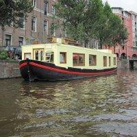 Амстердам. Жёлтая надводная лодка. :: ponsv
