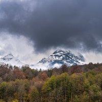 Гора Аибга и Чёрная пирамида :: Александр Хорошилов