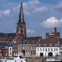 Церковь на берегу Мааса, Маастрихт :: Witalij Loewin
