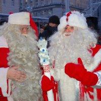 Встреча Санта Клауса и Деда Мороза :: Константин Поляков