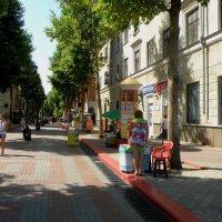 Керчь, улица Ленина :: Александр Рыжов