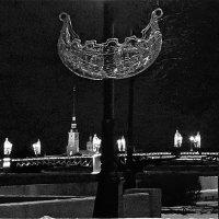 кораблик на новогодней набережной :: Елена