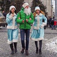 дед мороз и снегурочки... :: юрий иванов