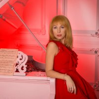 Дама в красном :: Елена Буравцева