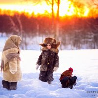 Photosession   Зимние прогулки прекрасны, обворожительные детки в фотосессии в деревенском стиле.  В :: Екатерина Бражнова