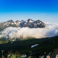 Там за облаками..... :: Александр Криулин