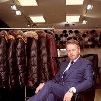 Александр П., портрет на рабочем месте :: Компания БизнесФото