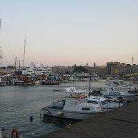 Греция. Родос. Порт Мандраки. :: Лариса (Phinikia) Двойникова