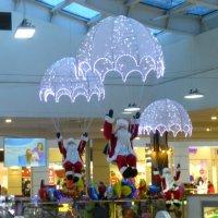 Деды Морозы на парашюте :: Наиля