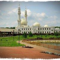 Соборная белая мечеть... :: Андрей Головкин