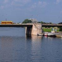 Мост через Маас в Маастрихте :: Witalij Loewin