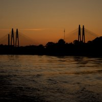 Вантовый мост вечером в Санкт-Петербурге :: Алексей Горский