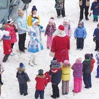 праздник во дворе... :: александр дмитриев