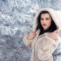 Почти Снегурочка... ) :: Райская птица Бородина