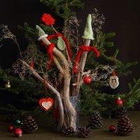 Новый год я пождидаю,палки в ёлку наряжаю! :: Валентина Налетова