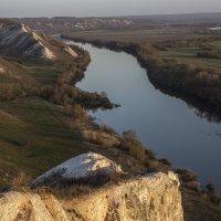 Апрельское утро на меловых холмах :: Юрий Клишин