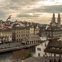 Панорама Цюриха с видом на собор Гроссмюнстер (Grossmünster) :: Татьяна Bartel